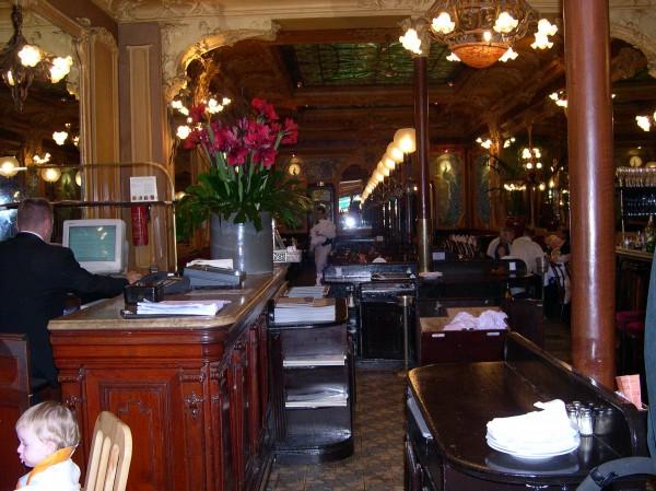 לבזבז אלף יורו במסעדות פריז