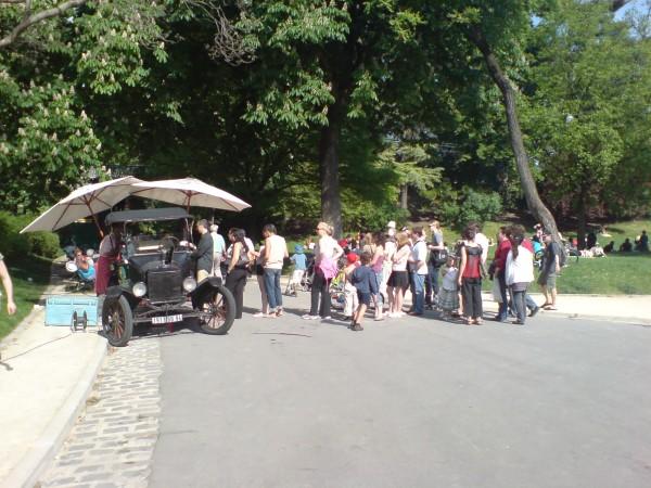 דוכן לממכר גלידה בפארק מונטסורי ברובע ה-14